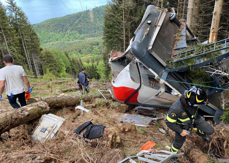 Авария на канатной дороге в Италии