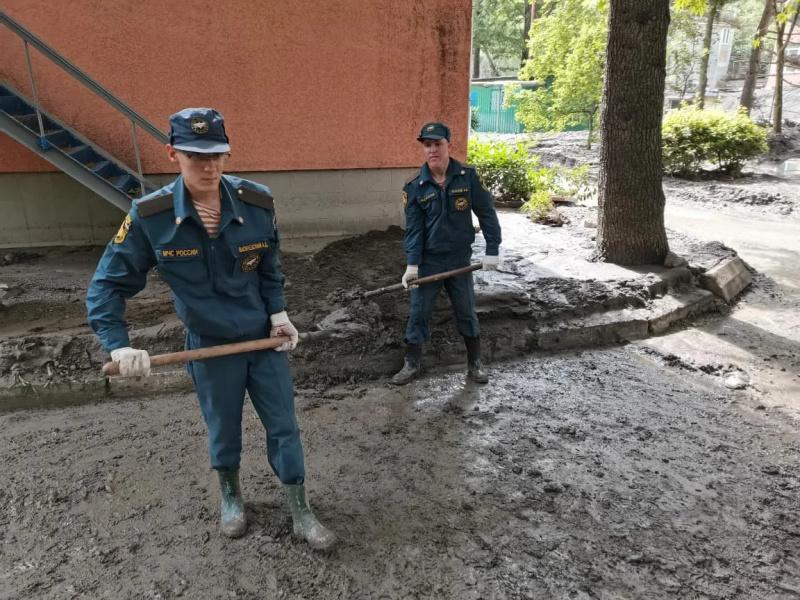Уборка улиц в Ялте