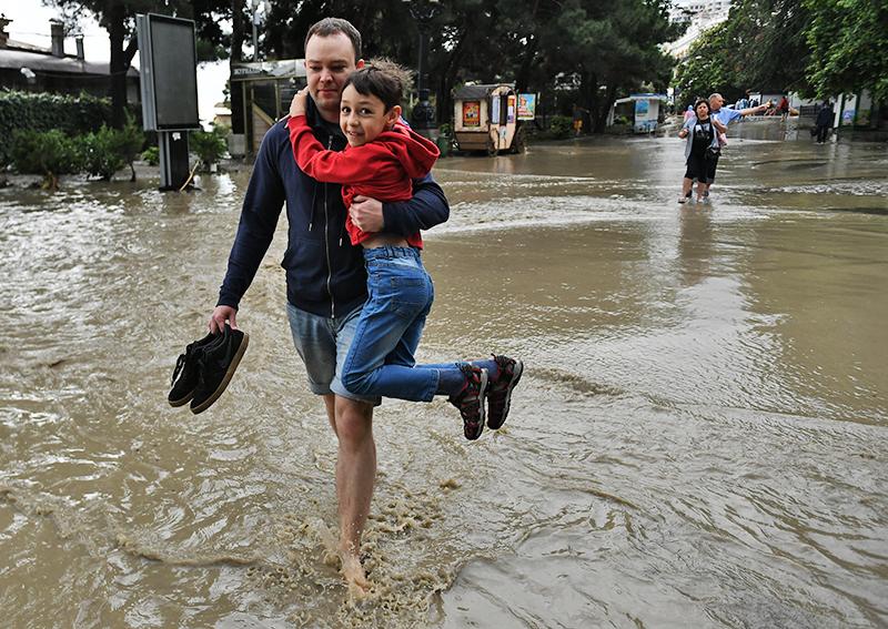 Последствия дождя в Крыму