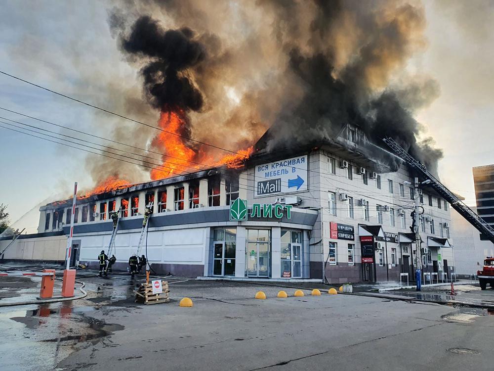 Пожар в ТЦ в Пензе