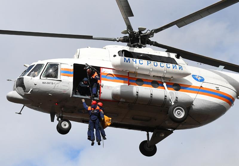 Вертолет МЧС России