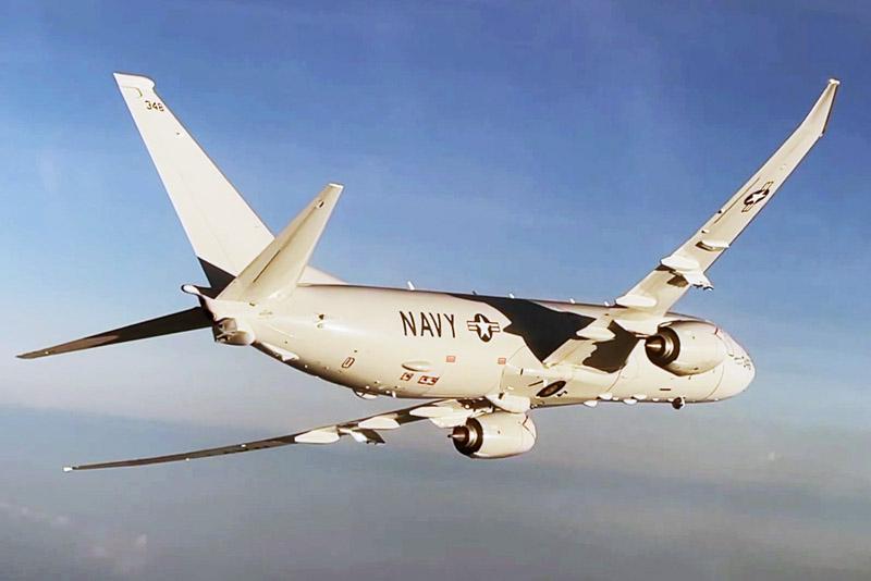 Самолет Boeing P-8 Poseidon ВМС США над Черным морем