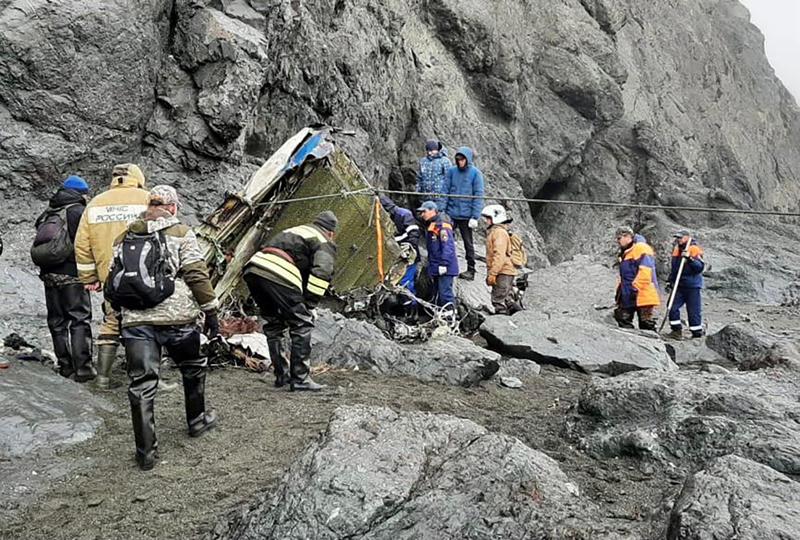 Поисковые работы на месте падения пассажирского самолета Ан-26 на Камчатке
