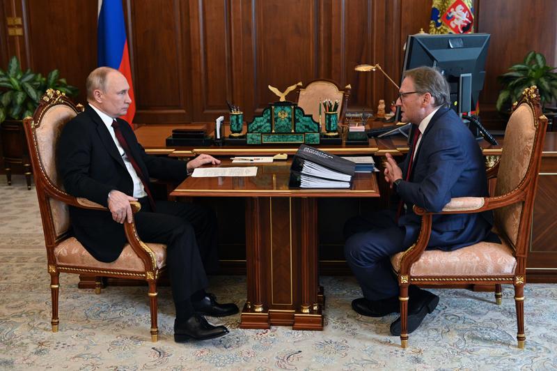 Владимир Путин и Борис Титов во время встречи