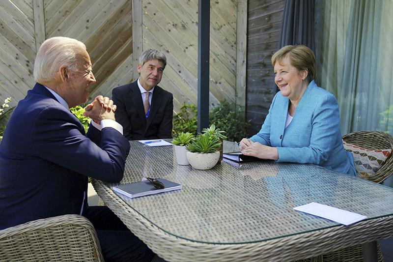 Джо Байден и Ангела Меркель