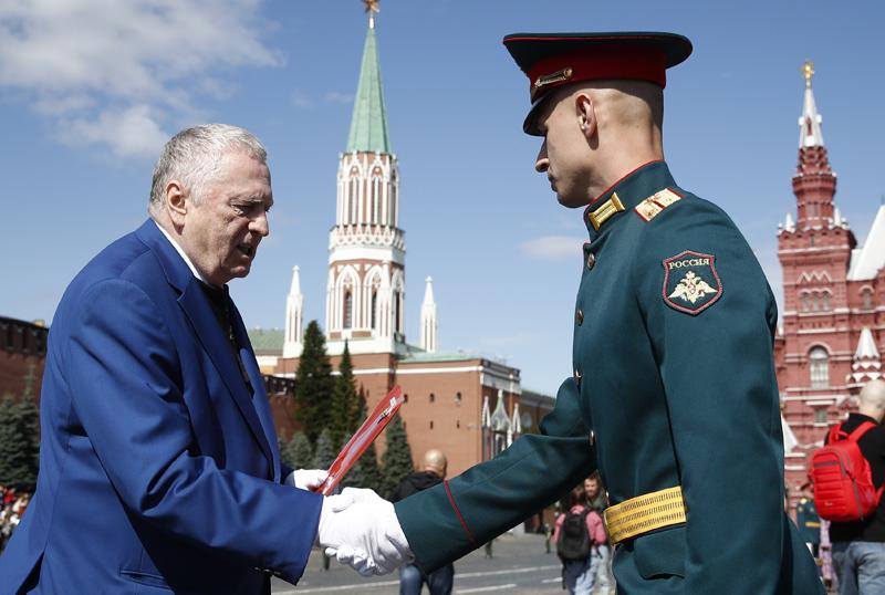 Владимир Жириновский на торжественной церемонии выпуска офицеров