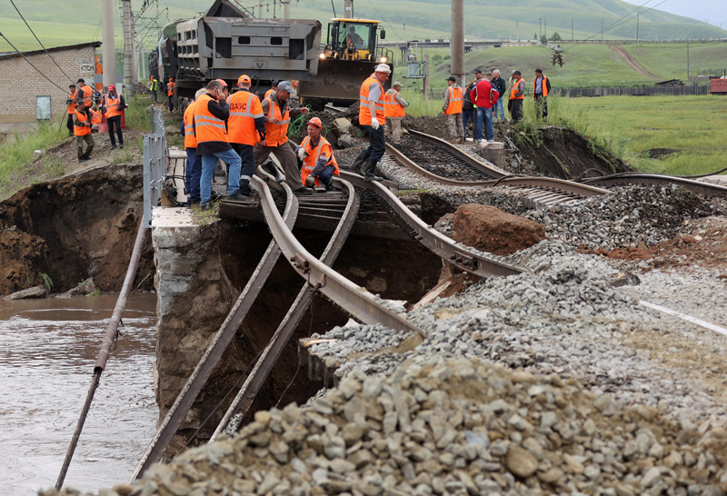 Восстановление железнодорожного моста в Забайкалье