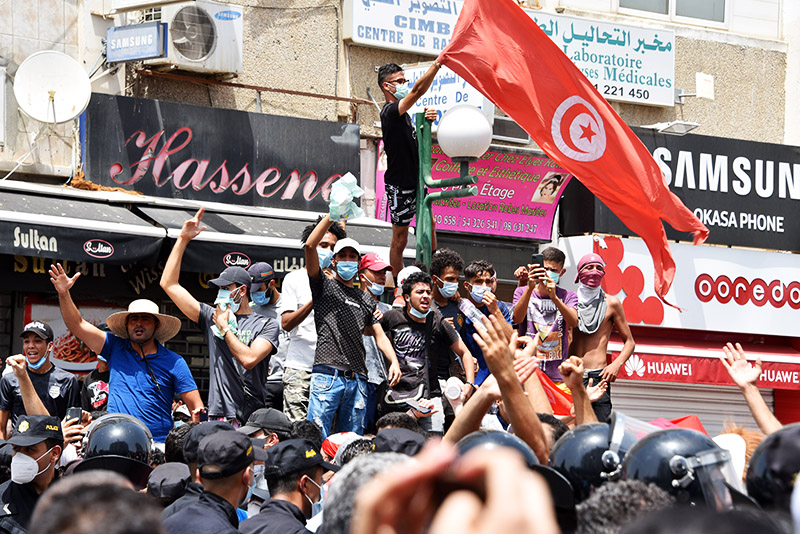 Президента Туниса обвинили в госперевороте :: Новости :: ТВ Центр