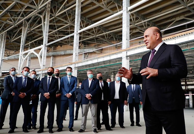 Михаил Мишустин осмотрел ход строительства аэровокзала в Южно-Сахалинске
