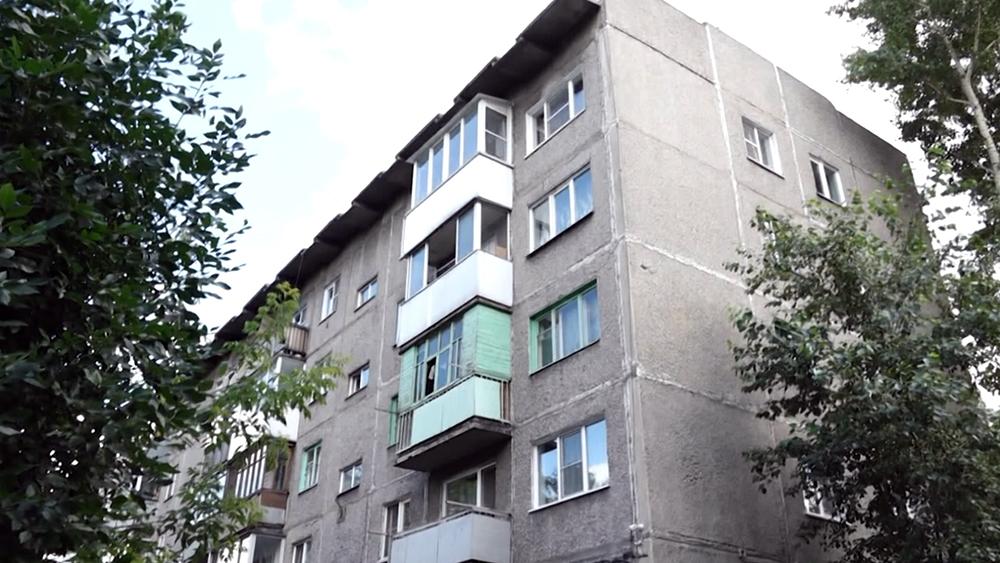 Место падения ребенка из окна