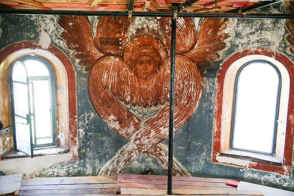Реставрационные работы на территории Новодевичьего монастыря