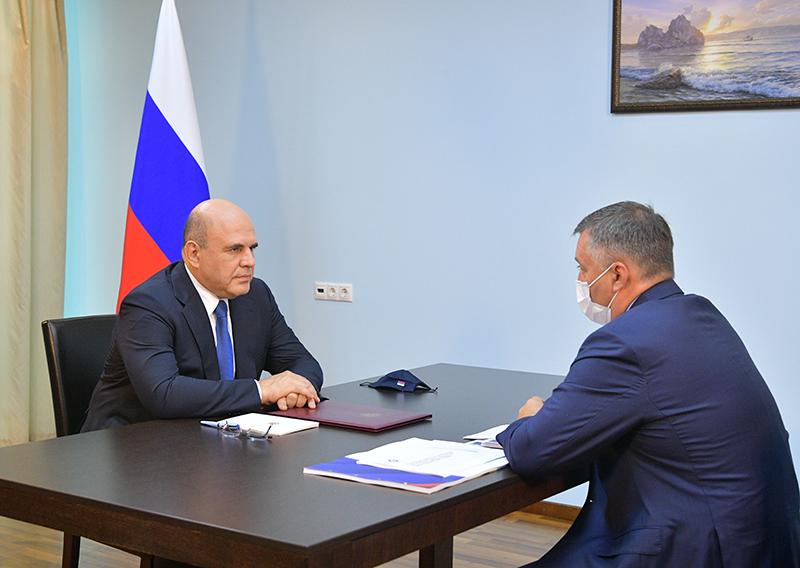 Михаил Мишустин и губернатор Иркутской области Игорь Кобзев