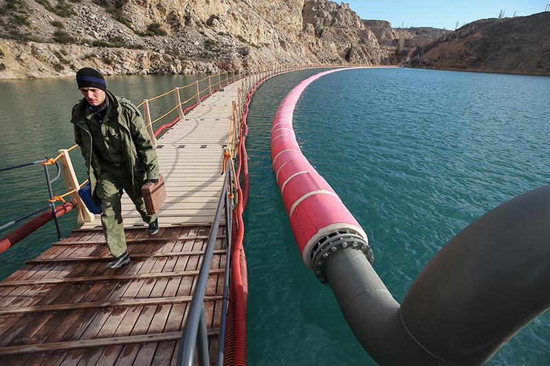 Подача воды в Крыму