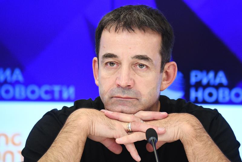 Народный артист России Дмитрий Певцов