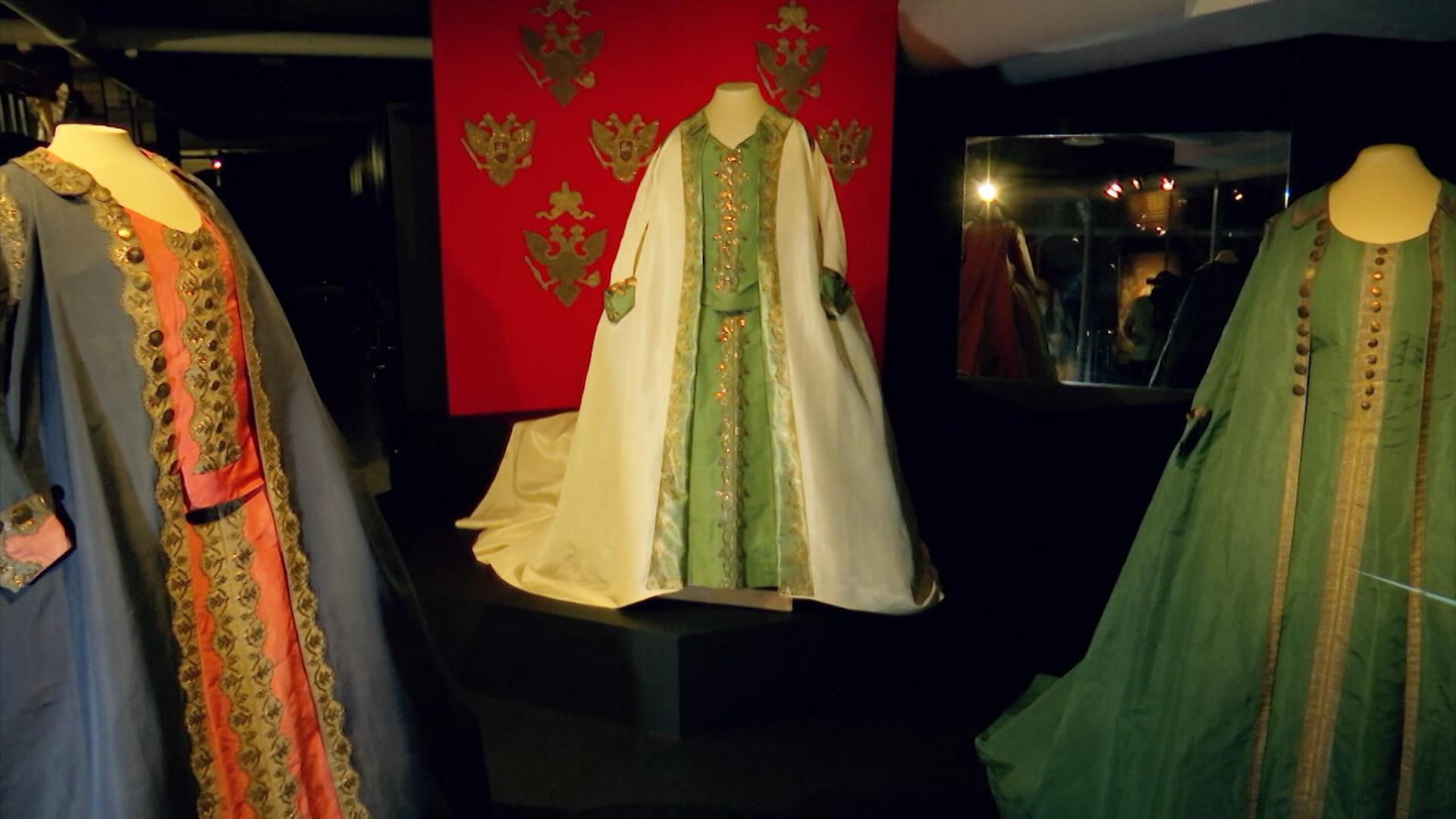 Выставка исторической одежды в Санкт-Петербурге