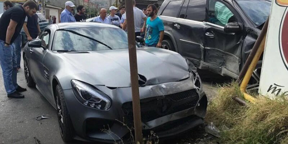 ДТП с участием спорткара Mercedes в центре Москвы