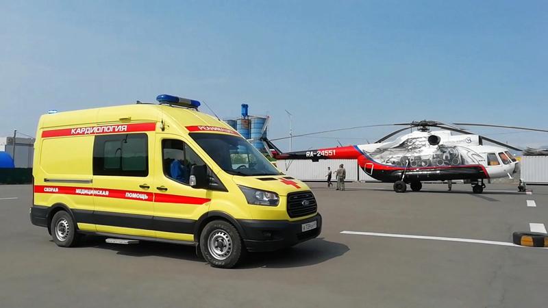 Вертолет Ми-8Т доставил в Петропавловск-Камчатский пострадавших при падении вертолета Ми-8 на Камчатке