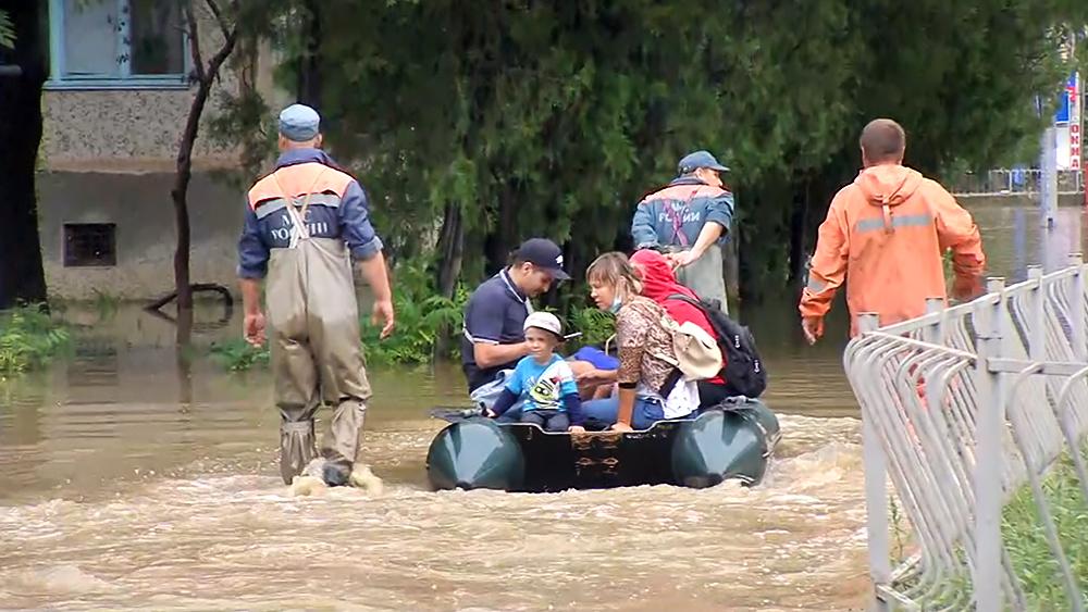 Последствия наводнения в Крыму