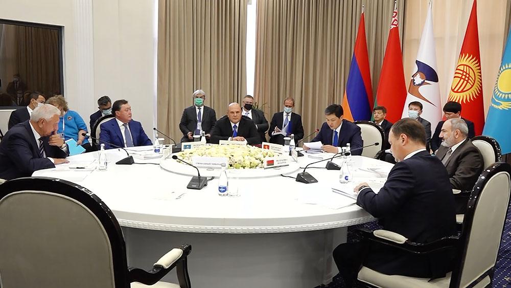 Заседание в узком составе глав делегаций - участников ЕАЭС