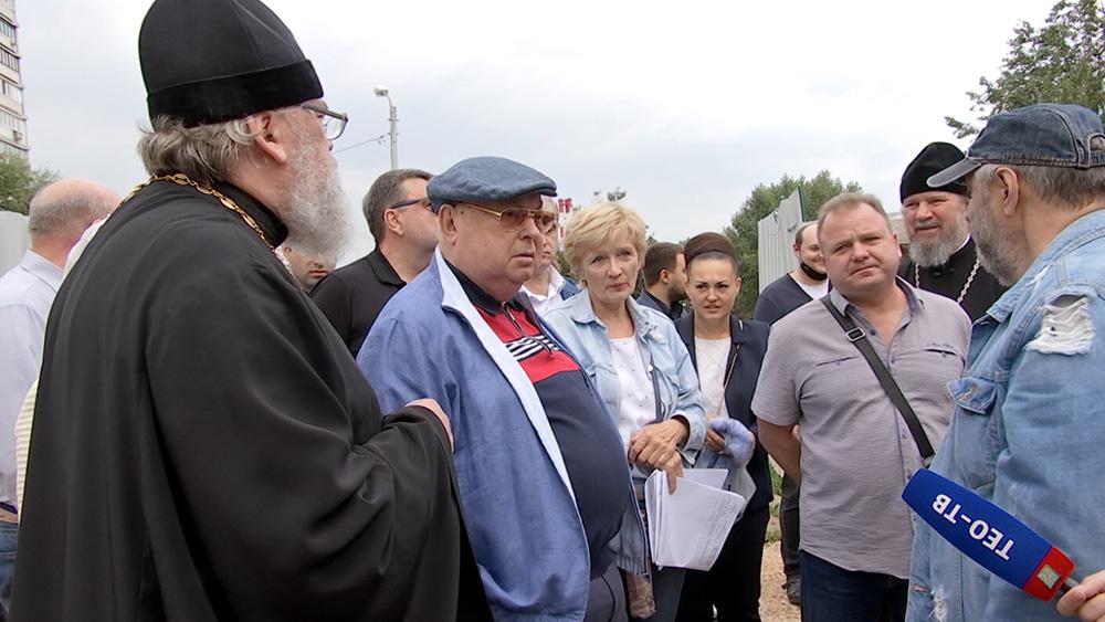 Владимир Ресин осмотрел строительство нового храма