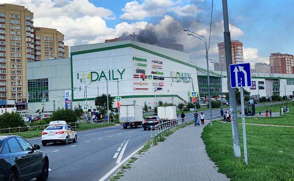 Пожар в ТЦ в Мытищах