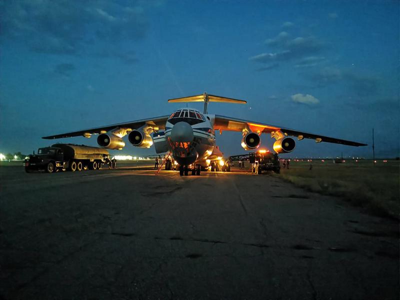 Самолет Ил-76 Минобороны России