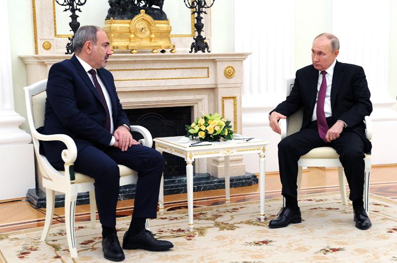 Премьер-министр Армении Никол Пашинян и президент России Владимир Путин