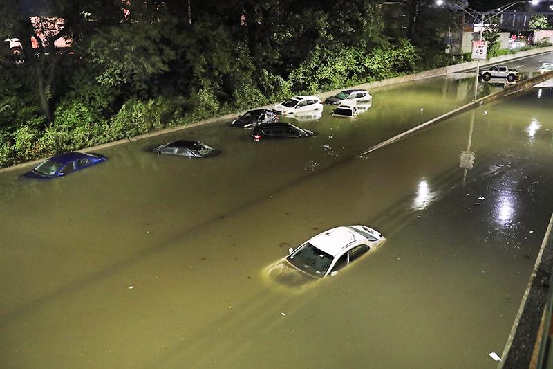 Последствия наводнения в Нью-Йорке