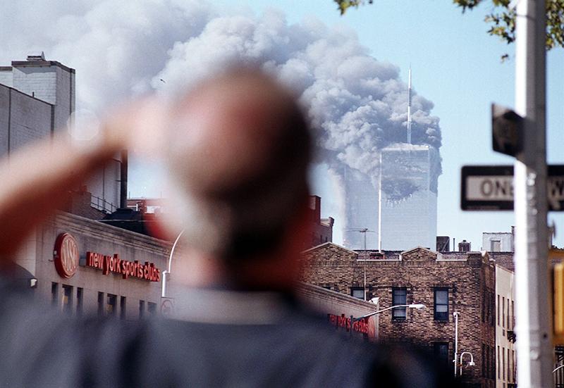 Горящие башни Всемирного торгового центра в Нью Йорке 11 сентября