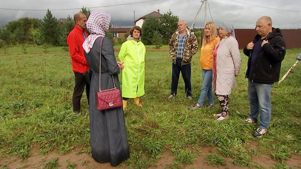 Амина Ашабова и жители