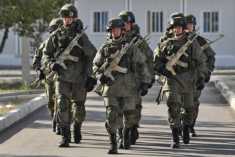 Военнослужащие армии России