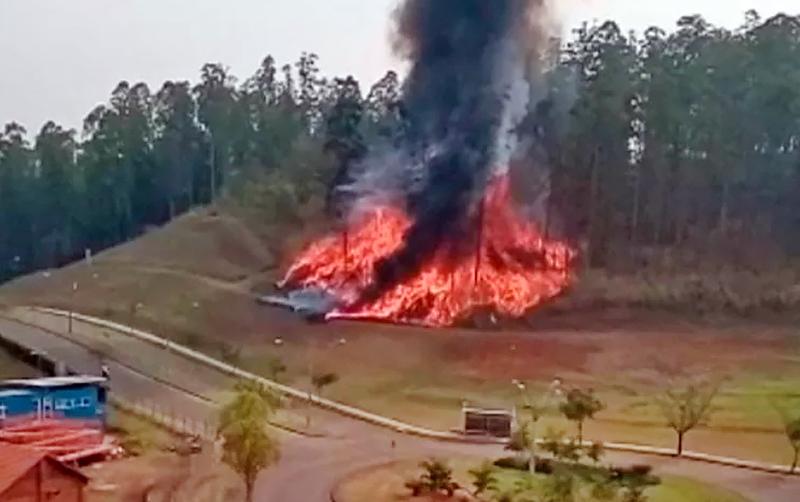 Последствия крушении самолета в Бразилии