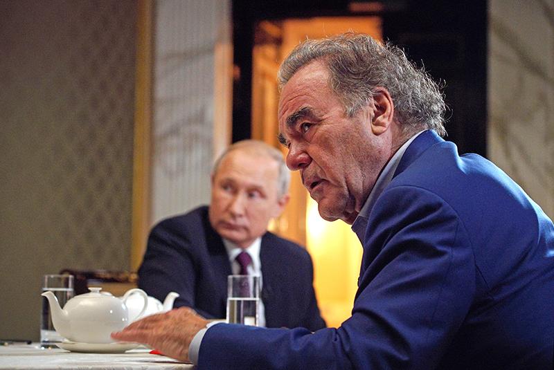 Владимир Путин и кинорежиссёр, сценарист и продюсер Оливер Стоун
