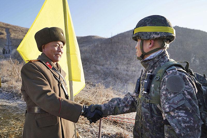 Военнослужащие Северной и Южной Кореи