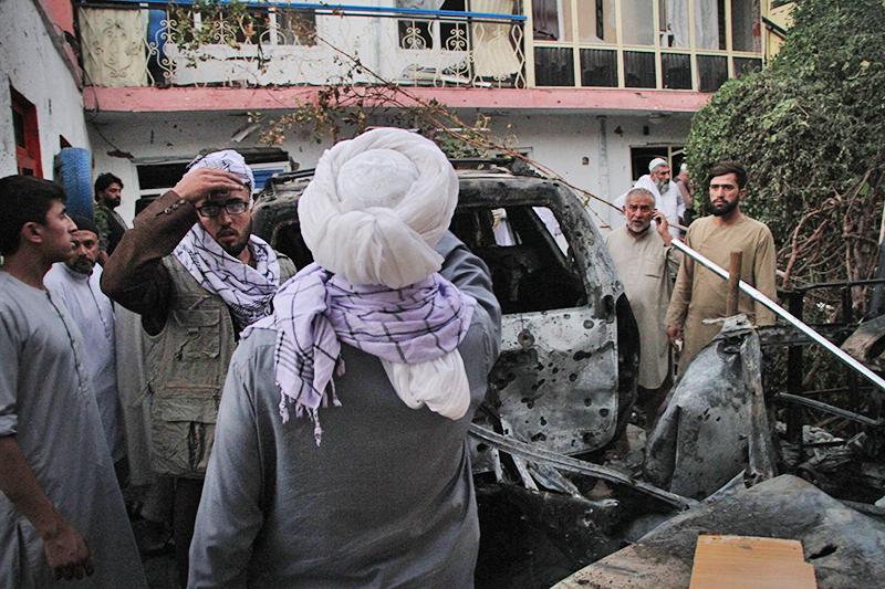 Последствия ракетного обстрела Кабула