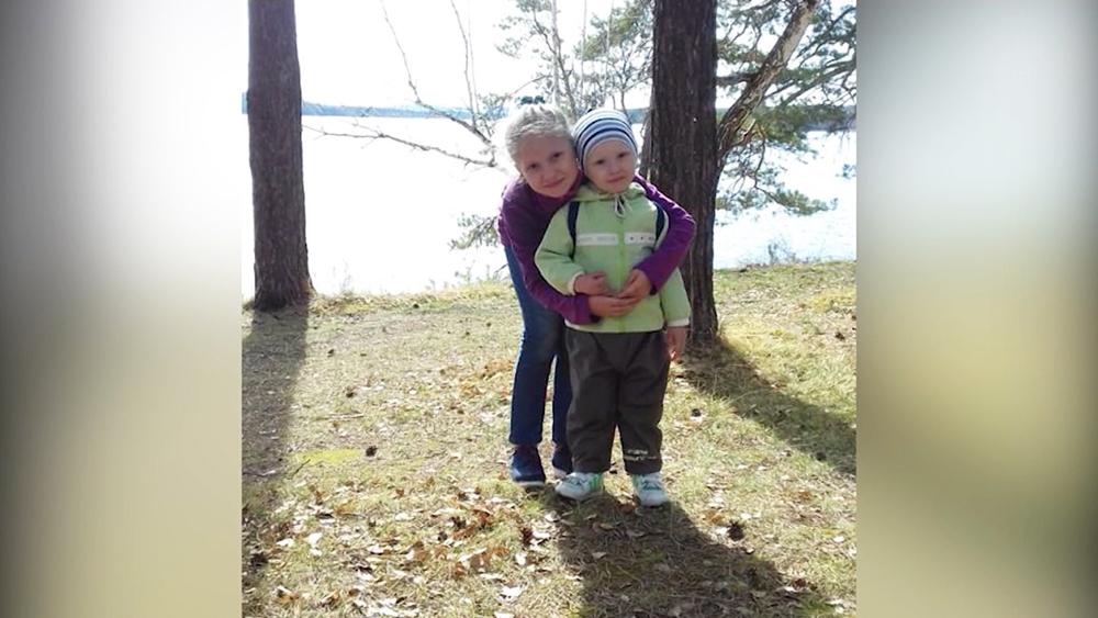 Лёша Гуцалов с сестрой