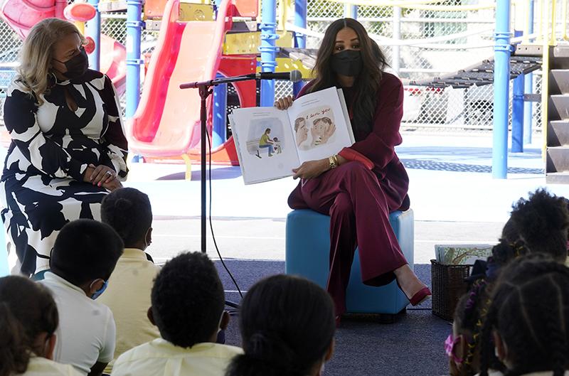 Меган Маркл во время посещения школы для бедных в Гарлеме