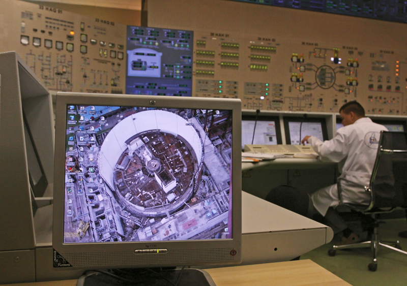 Блок управления реактором на Калининской АЭС