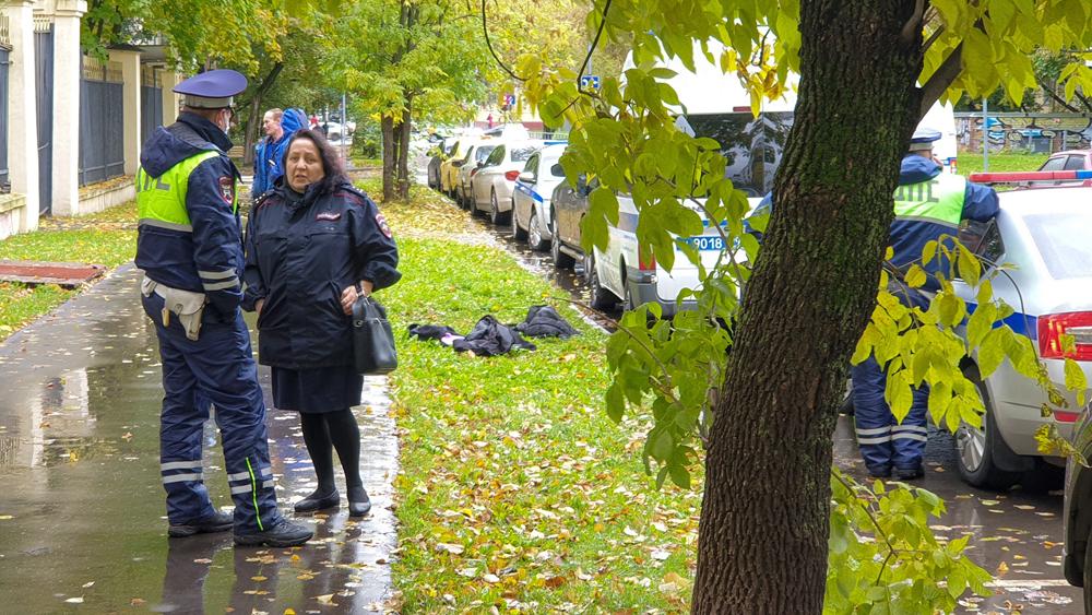 Место происшествия на севере столицы, где вооруженный водитель Mercedes скрылся от автоинспекторов