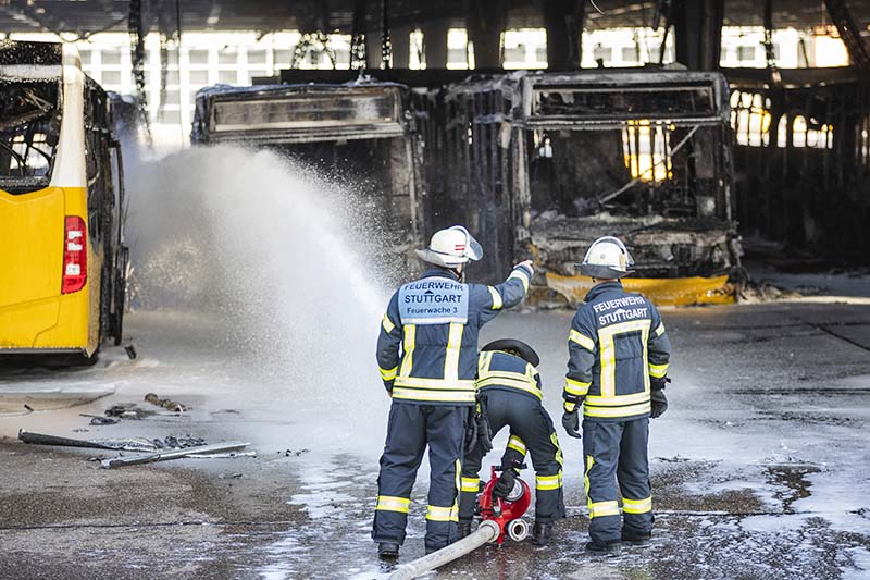 Сгоревший автобусный парк в Штутгарте