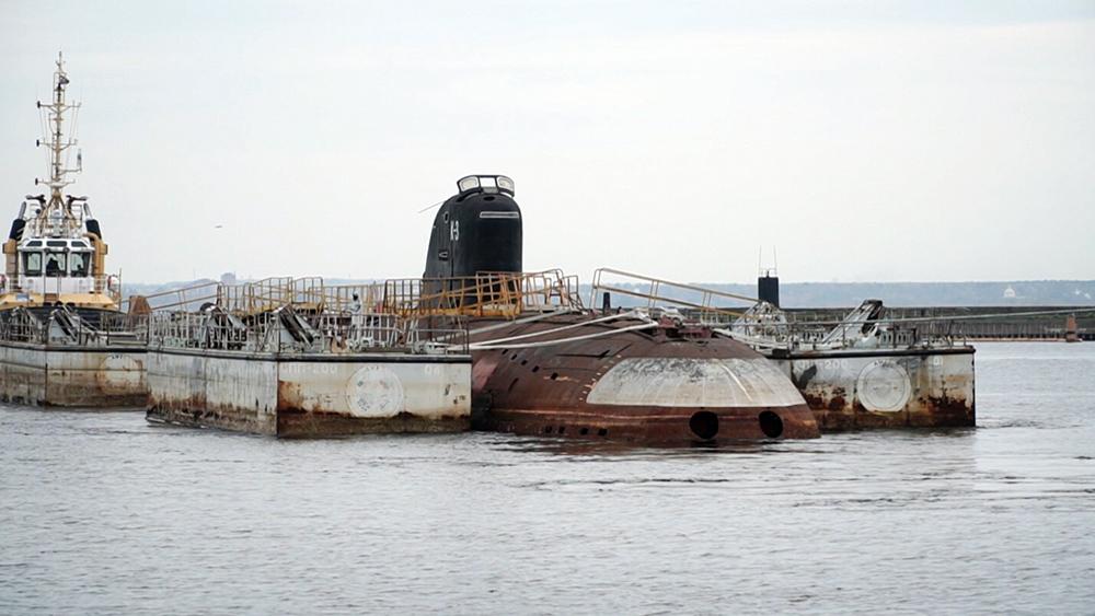 """Буксировка подводной лодки """"К-3 Ленинский комсомол"""""""