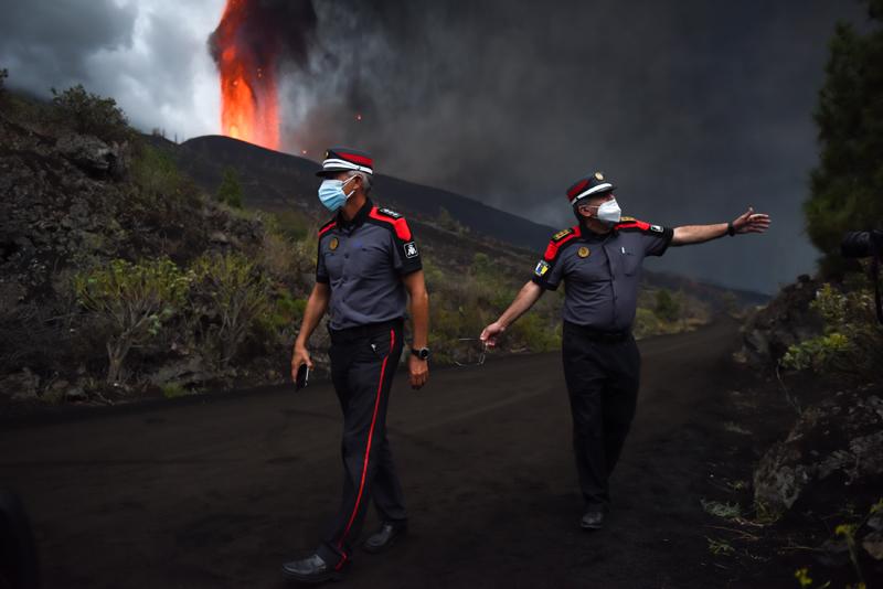 Извержение вулкана на острове Пальма