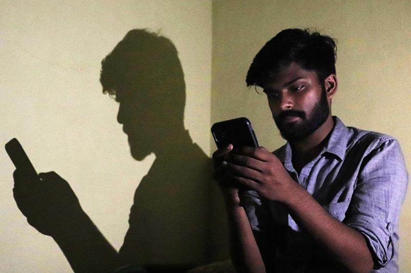 В работе соцсетей Facebook, WhatsApp и Instagram произошел глобальный сбой