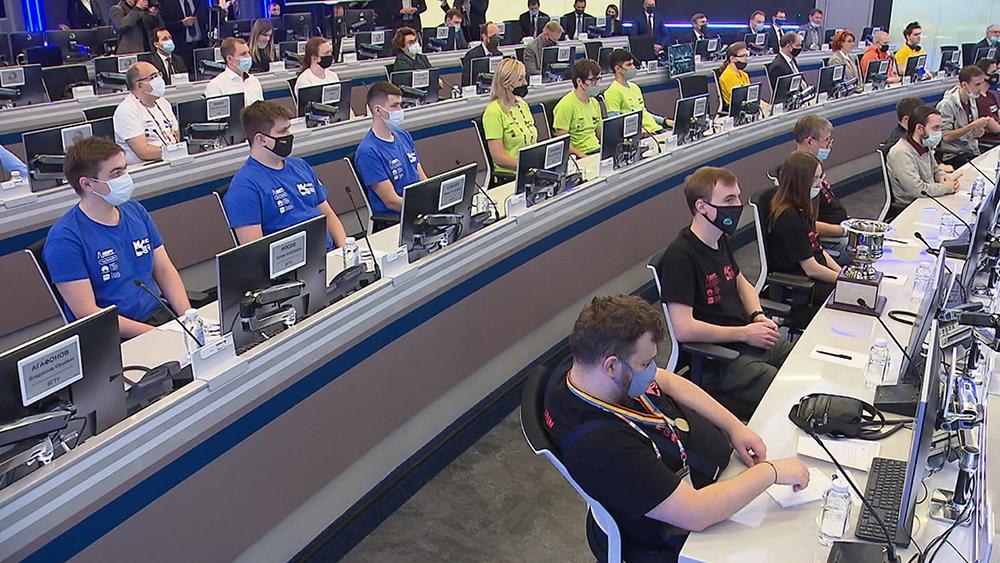 Михаил Мишустин встретился с финалистами Международного студенческого чемпионата мира по программированию