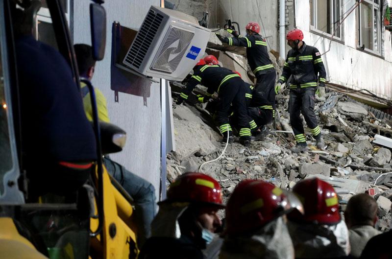 Обрушение части жилого дома в Батуми