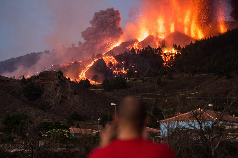 Извержение вулкана на острове Пальма в Испании