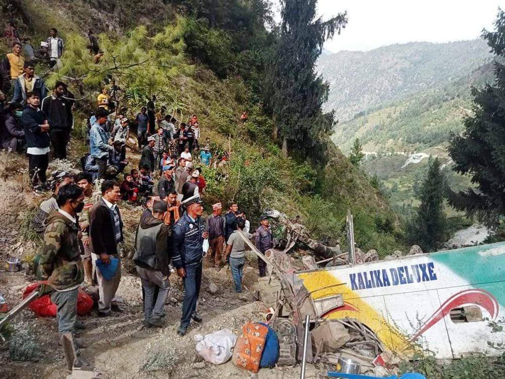 Последствия ДТП в Непале