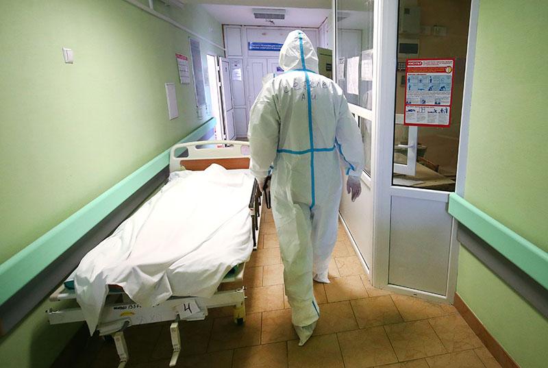 Врачи инфекционного отделения больница