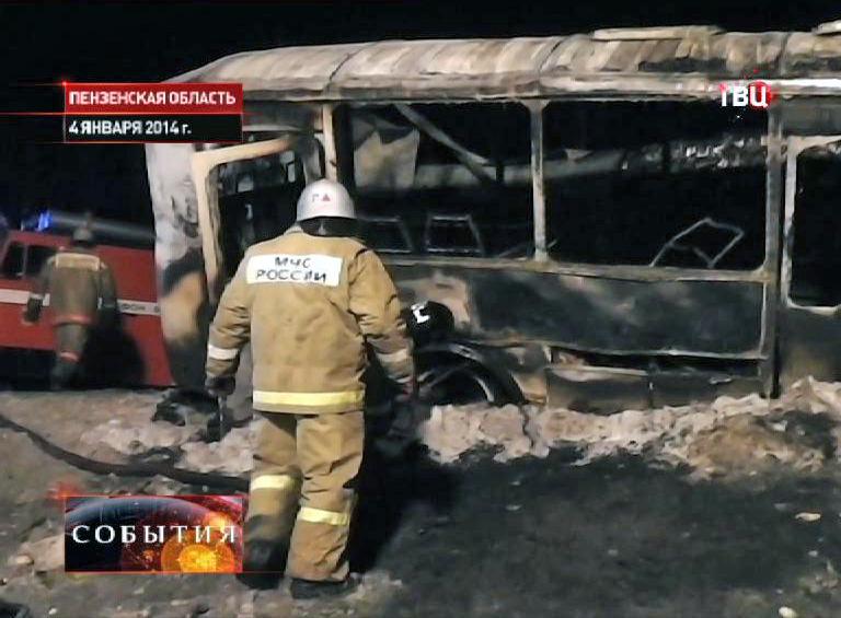 Пожарные на месте ДТП в Пензенской области