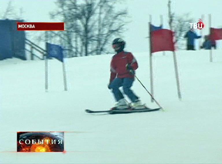 Лыжник на Воробьевых горах